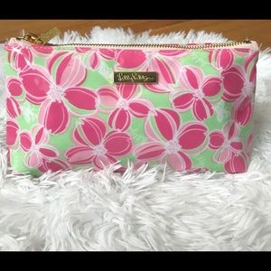 Lilly Pulitzer floral clutch